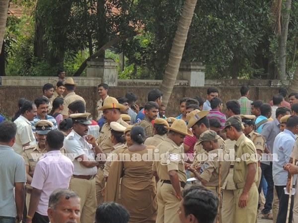 Kundapura_Police_Roalcal (5)