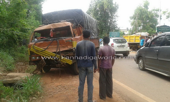 Lorry_bus_acdent_3