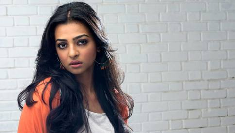 Nude-video-leak-doesnt-bother-me-says-Bollywood-actress-Radhika-Apte