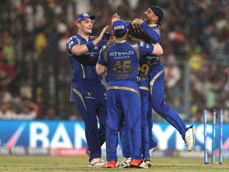 mumbai-indians-celebrate-ipl-2015-finals