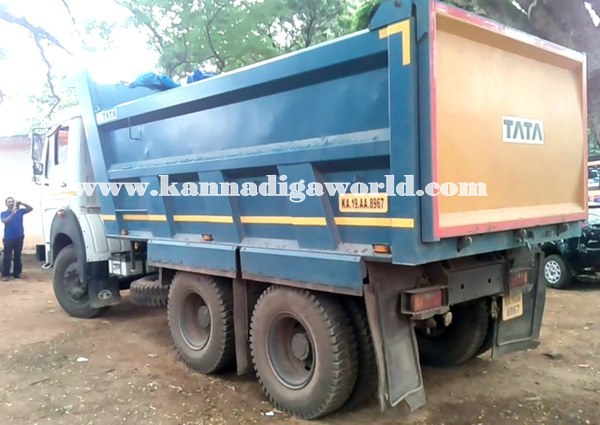 Kundapur_Tipper_Accident (6)