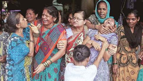Mumbai-Hooch-Tragedyhhhh
