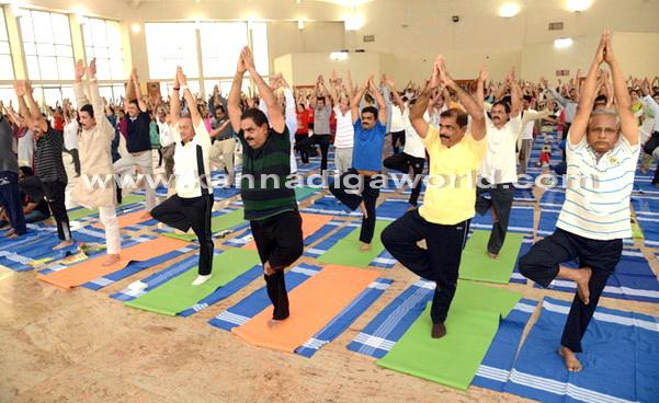 Yoga_Dina_acharane_1