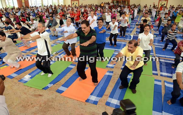 Yoga_Dina_acharane_27
