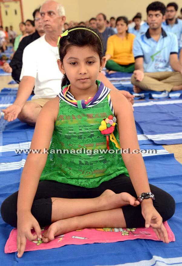 Yoga_Dina_acharane_35