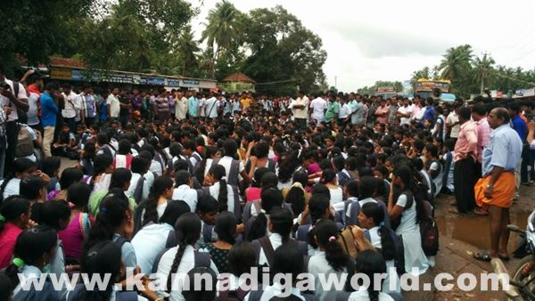 akshatha murder in byndoor protest_June 18_2015-007