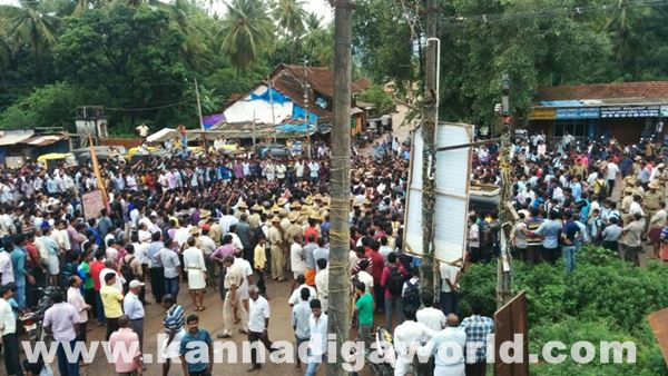 akshatha murder in byndoor protest_June 18_2015-018