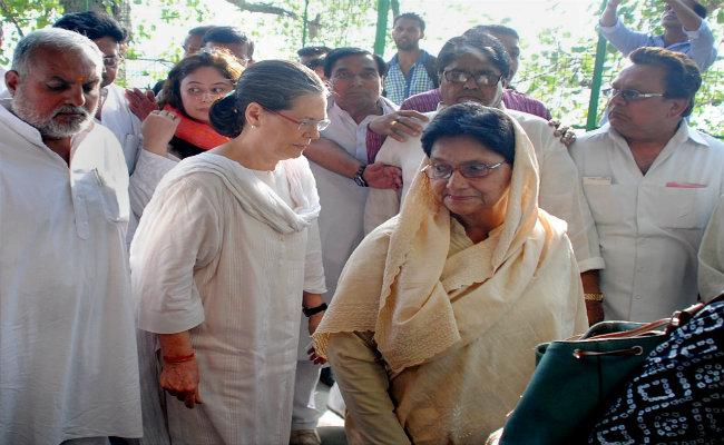 sonia-gandhi-sheila-kaul-funeral_650x400_51434317470