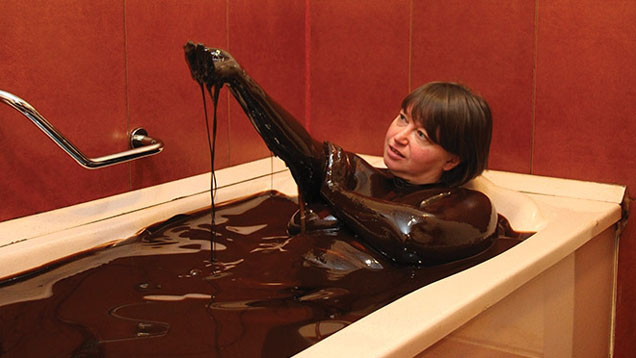 19886328crude-oil-bath