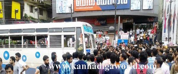 Kasargod_bus-axident_4