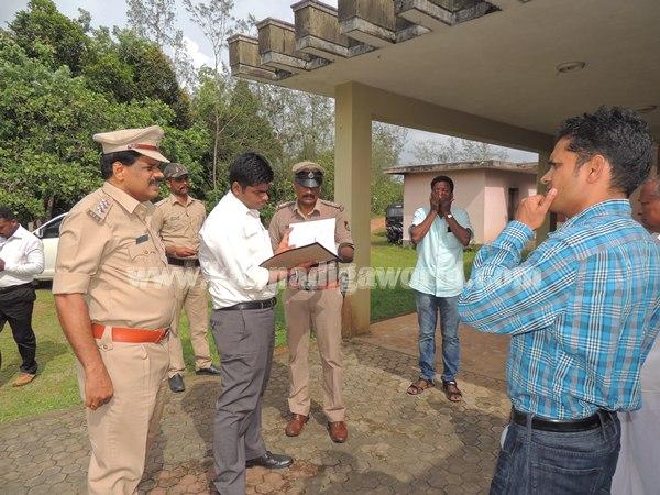 Sp Annamalai_Visit Malathi Shetty_House (6)