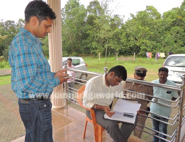 Sp Annamalai_Visit Malathi Shetty_House (7)