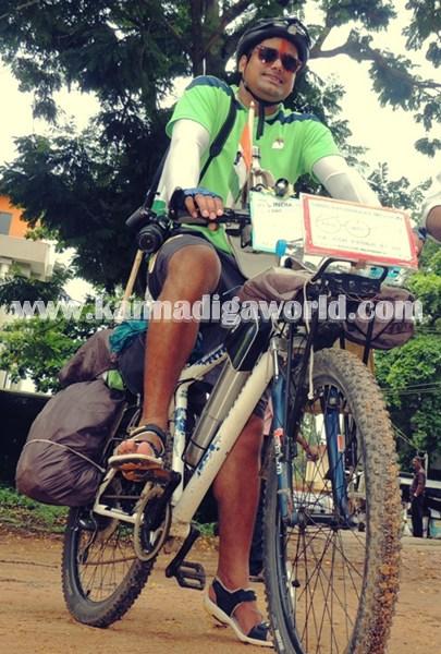 cyclist-abishek visit Modhi. (1)