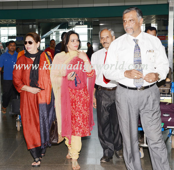 helena_visit_airport_6