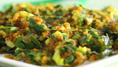 spring-onion-with-Egg-curry