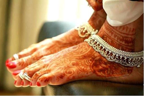 Why Indian women wear toe-rings and Mangalsutra ...