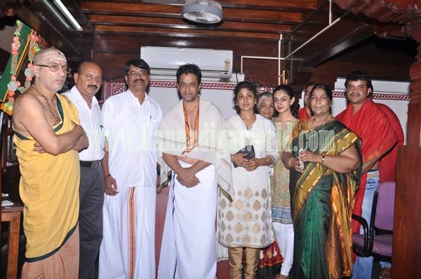 Actor Arjun Sarja_Visit_Kollur Mookambika Temple (2)
