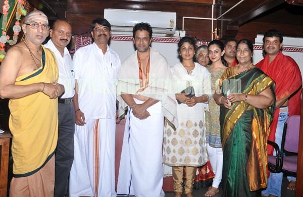 Actor Arjun Sarja_Visit_Kollur Mookambika Temple (3)