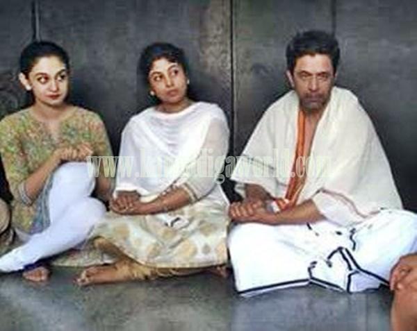 Actor Arjun Sarja_Visit_Kollur Mookambika Temple (5)