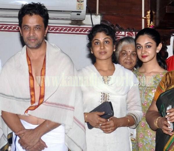 Actor Arjun Sarja_Visit_Kollur Mookambika Temple (6)