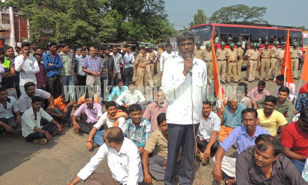 Kundapur BJP_Highway Bundh_Protest (12)