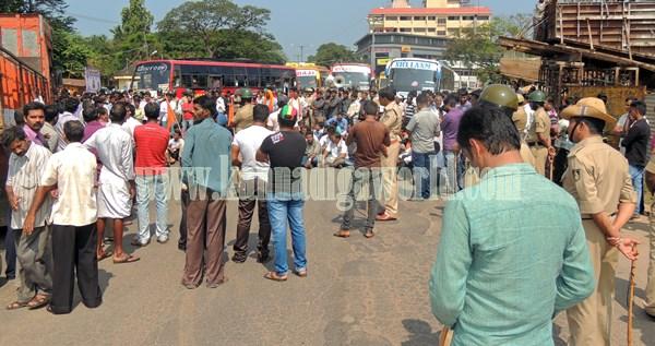 Kundapur BJP_Highway Bundh_Protest (18)