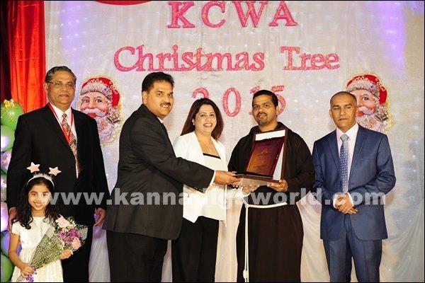 KCWA Christmas tree 2015 _Dec 4-2015-009