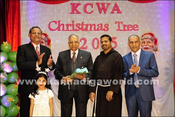 KCWA Christmas tree 2015 _Dec 4-2015-017