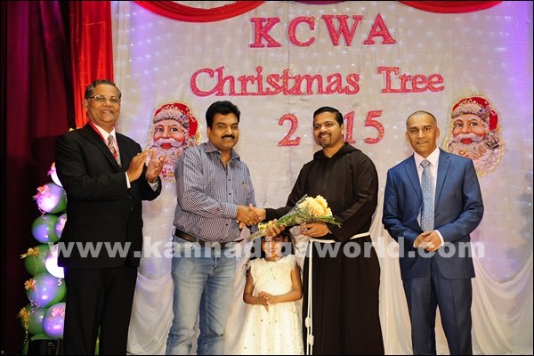 KCWA Christmas tree 2015 _Dec 4-2015-018