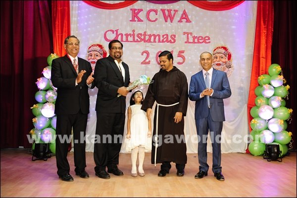 KCWA Christmas tree 2015 _Dec 4-2015-019