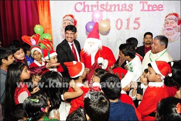 KCWA Christmas tree 2015 _Dec 4-2015-035