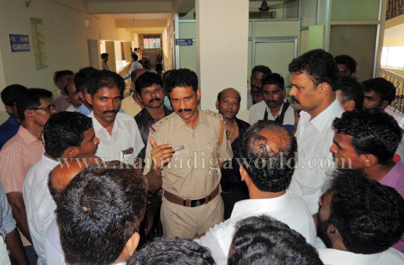 Kundapura_Lorry Drivers_Asault (16)