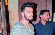 Arjun Kapoor visits Malaika Arora, calls cops to shoo paparazzi