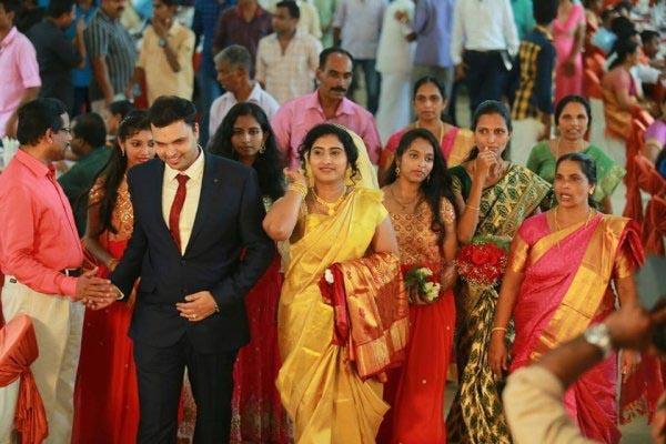 Indian women singles gulf oman