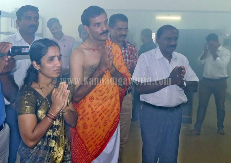 kundapura_aayudha-pooje_police-station-10