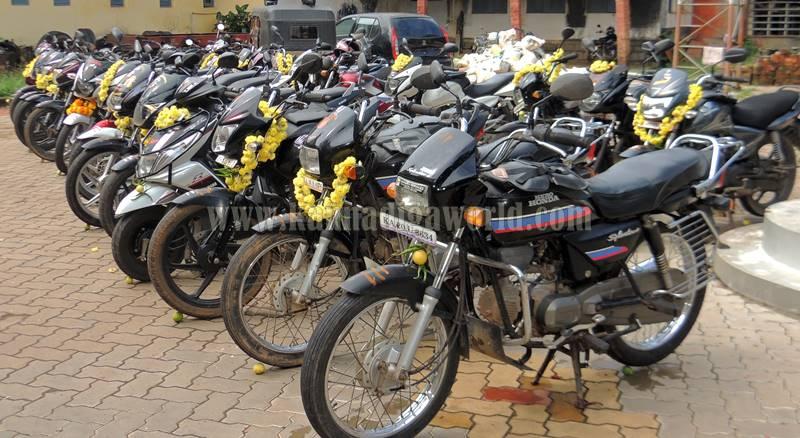 kundapura_aayudha-pooje_police-station-6