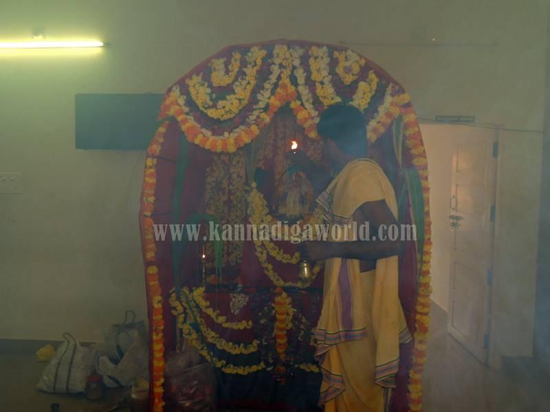 kundapura_aayudha-pooje_police-station-7