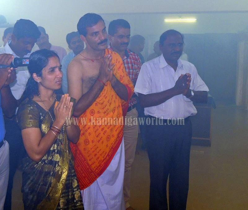 kundapura_aayudha-pooje_police-station-9