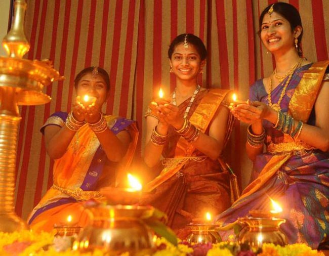 diwali photo essay Diwali 2016 photos: indian festival of during the diwali or deepavali festival at ponnambalavaneshwaram hindu temple in colombo, oct 29, 2016 photo.