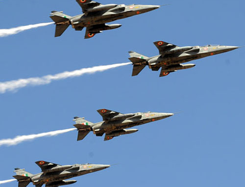 Jagvar fighter jets make a formation during the inaugural of Aero India-2011at Airfore base Yalhanka near Bangalore on Wednesday. Photo/ ANAND BAKSHI