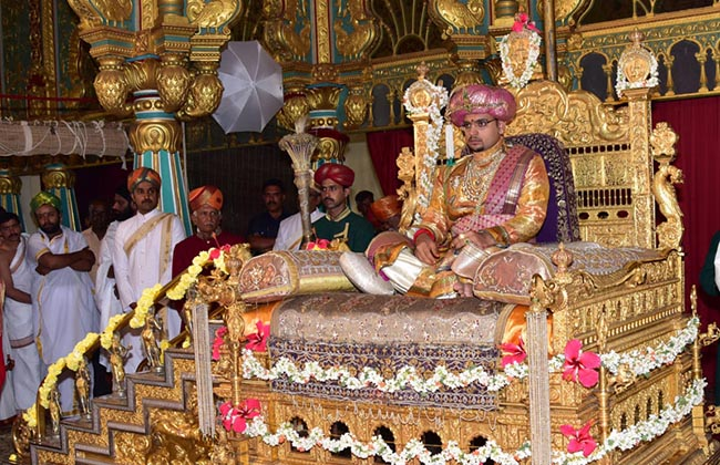 Mysuru Royal Scion Yaduveer Krishnadatta Chamaraja Wadiyar's private dusbar, as part of Dasara Celebrations, at Mysuru Palace in Mysuru on Saturday October 01, 2016 -Photo / IRSHAD MAHAMMAD