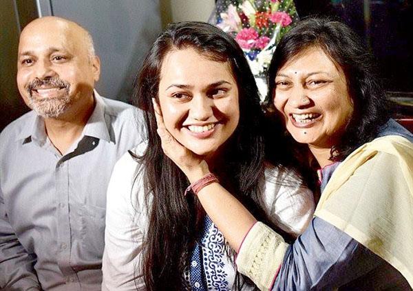 teena-dabi-parents