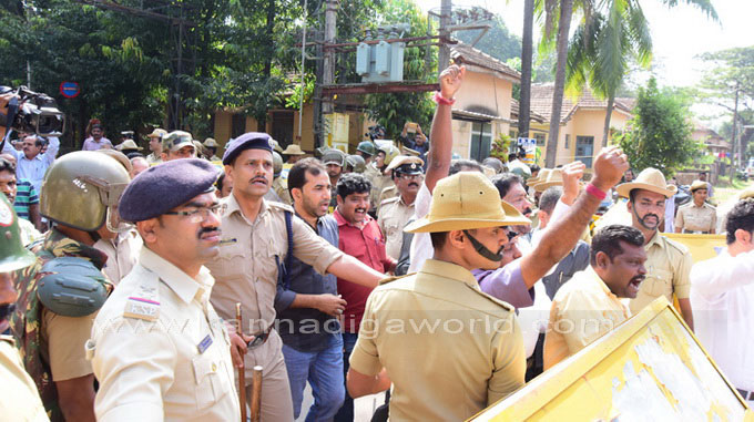 tippu-jayanti-protest_12