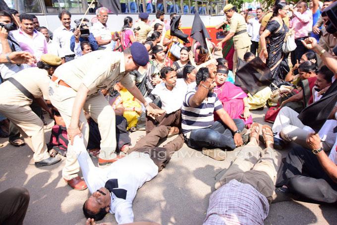 tippu-jayanti-protest_22