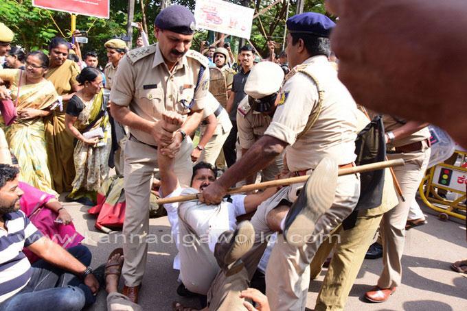 tippu-jayanti-protest_23