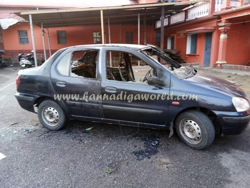 car_catches_fire-at-udupi-1
