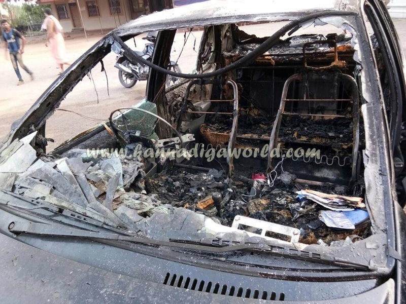 car_catches_fire-at-udupi-4