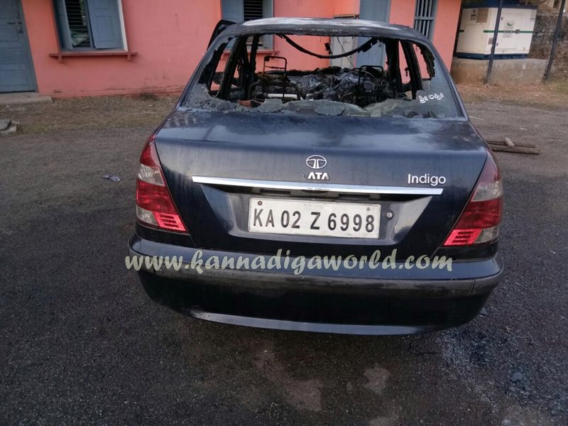 car_catches_fire-at-udupi-8