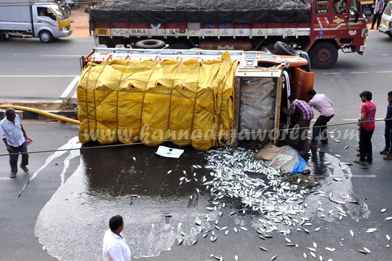 kundapura_fish-lorry_pulty-3