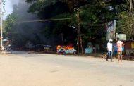 ಕುಮಟಾ: ಪರೇಶ್ ಮೇಸ್ತ ಸಾವಿನ ತನಿಖೆ ಆಗ್ರಹಿಸಿ ಪ್ರತಿಭಟನೆ: ಕಲ್ಲು ತೂರಾಟ, ಐಜಿಪಿ ಹೇಮಂತ್ ನಿಂಬಾಳ್ಕರ್ ವಾಹನಕ್ಕೆ ಬೆಂಕಿ